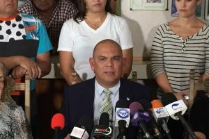 Minister Otmar Oduber per direct opgestapt