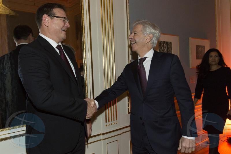 Gobierno Hulandes cu recepcion di despedida pa ex minister Boekhoudt