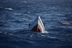 Warda Costa Hulandes ta rescata tripulantenan di boto Venezolano