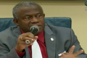 Koeiman: Situacion politico na Corsou hopi preocupante