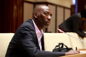 Gilmar 'Pik' Pisas ta presidente nobo di Parlamento di Corsou
