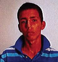 Polis en busca di Joshua Geerman pa atraco arma