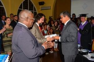 Ryçond Santos do Nascimento a defende su tesis cu exito