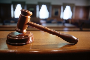 Retiro di abogado di 'abogado falso' Gibbs a pone corte pospone caso atrobe