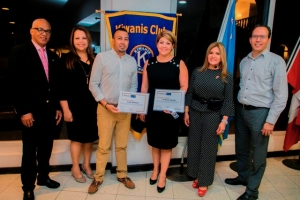 Kiwanis Club of Aruba a instala Jo-anne Arends & Krish Mahtani
