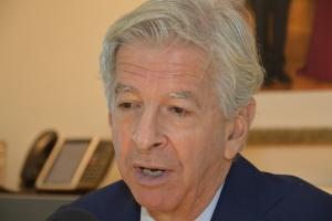 Plasterk: Gobernador George Wout a actua corecto