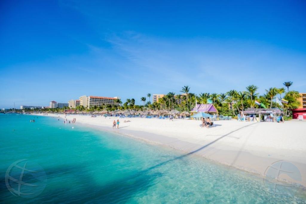 Companianan bringando gobierno den corte pa beach policy