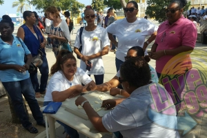 Bonaire protestando contra reduccion di pensioen
