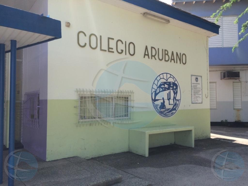 Minister: Opdracht onderzoek naar onregelmatigheden Colegio