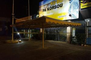 Cede principal di partido PAR afecta pa un Molotov cocktail den weekend