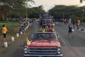 Parada cultural lo desplega trahenan di folklore y di cunuco