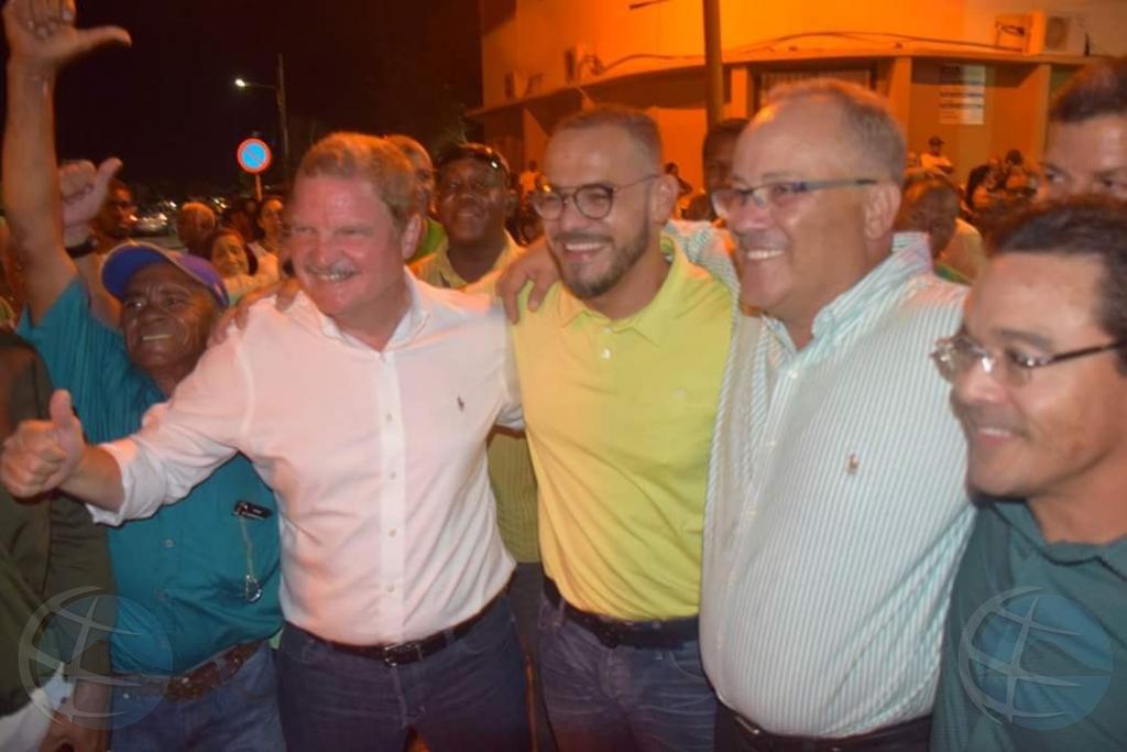 Minister Paul Croes na 6 weken weer in het openbaar