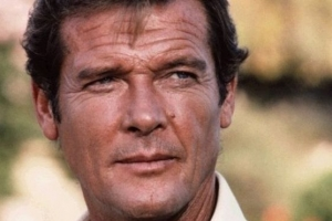 Actor di pelicula James Bond, Roger Moore a fayece