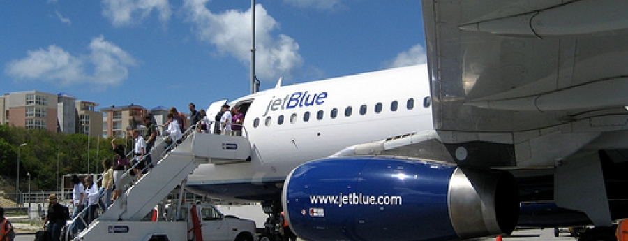 Bommelding riba avion di JetBlue na St Maarten