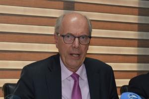 Bakker: Arubaanse overheid heeft dit jaar 20 mensen extra in dienst genomen