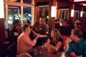 Renaissance Aruba Resort & Casino a celebra reapertura di L.G. Smith's Steak & Chop House