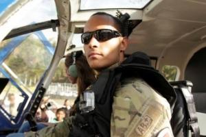 Militarnan Venezolano enbusca di piloto di helicopter cu a ataka corte supremo