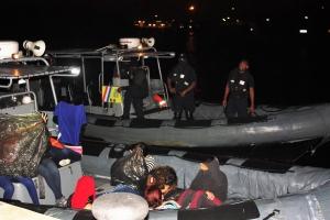 Kustwacht a detene 29 Venezolano drentando Corsou
