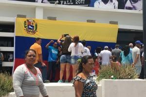 Venezolanonan na Aruba a participa na e Consulta Popular