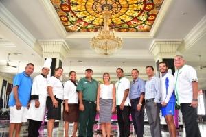 RIU Hotels ta celebra 10 aña na Aruba