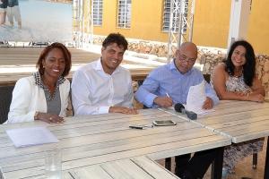 Gobierno di Bonaire a bolbe cay!