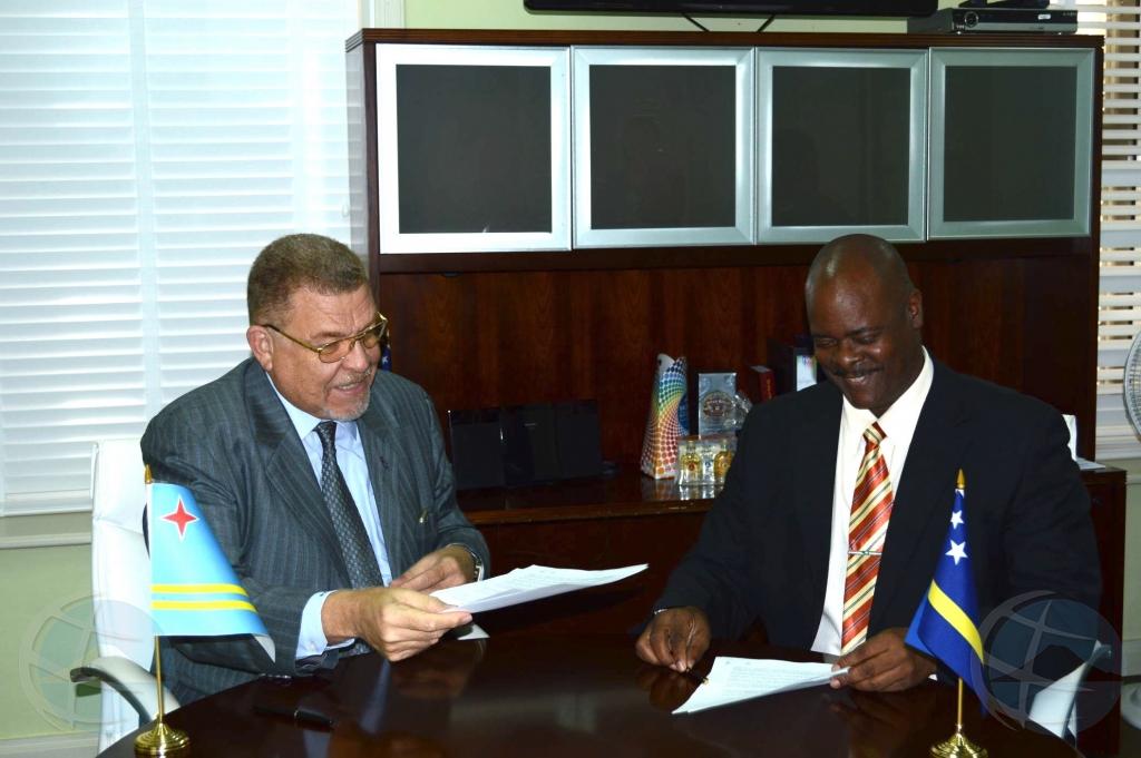 Aruba y Corsou a firma acuerdo riba tereno di recurso humano