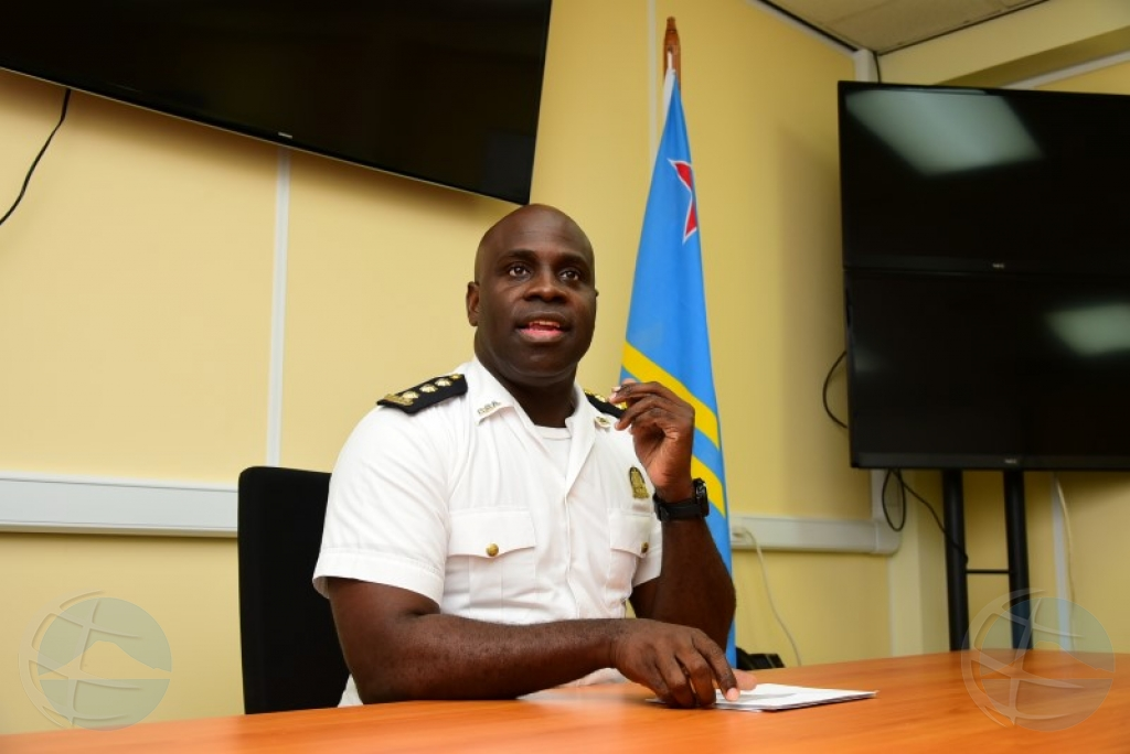 Hefe di polis Richardson: Aruba a celebra democracia den gran forma