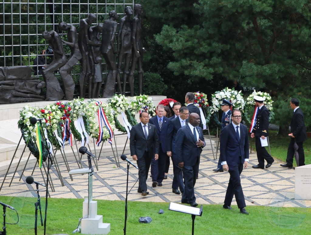 Minister Yrausquin presente na Conmemoracion Nacional na Indisch Monument