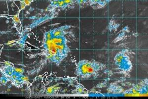 Tormenta tropical Harvey ta pasa panort di Aruba diasabra anochi