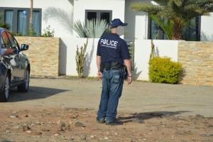 Minister Croes hedenochtend aangehouden