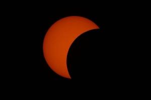Aruba a experiencia e efecto di un eclipse solar parcial