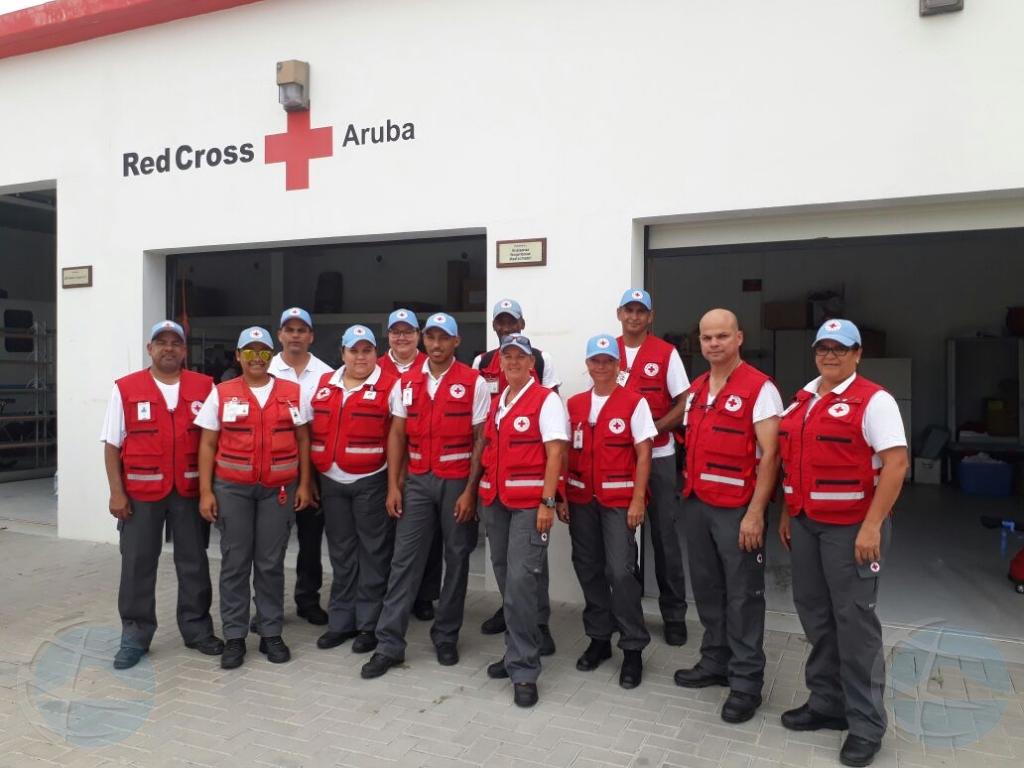 Diesdos voluntario di Cruz Cora Aruba a bay St Maarten