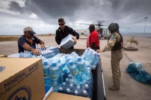 Hulanda a cuminsa evacua turistanan Hulandes di St Maarten