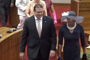 Discurso apertura aña parlamentario basa riba desaroyo sostenibel