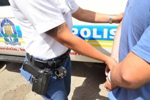 Polis a los tiro riba sospechoso agresivo na Macuarima