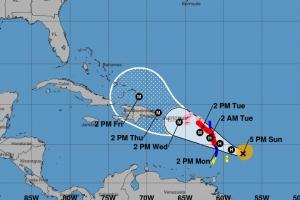 Maria a bira Horcan y ta menasa Isla Riba y Puerto Rico