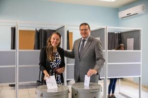 Gobernador Boekhoudt a eherce su derecho di voto