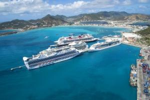 Cierto cruceronan a kita St Maarten di itinerario te maart 2018