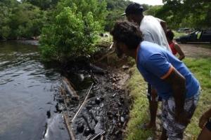 Preocupacion pa e derame di petrolio di Trinidad y Tobago