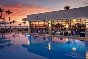 Condé Nast Traveler:  Bucuti & Tara Beach un di e mihornan den Caribe