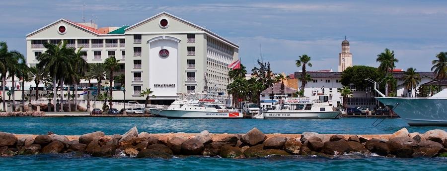 Aruba y Curacao Renaissance Resorts bendi cu compania Mericano