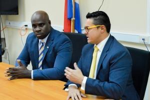 Alto Comisario  contento cu bishita di presidente di Parlamento nobo