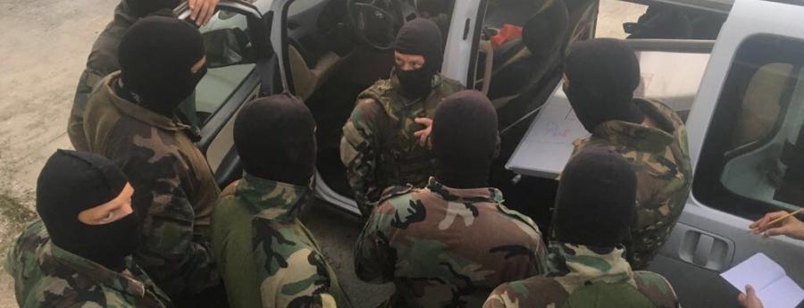 Sospechosonan deteni relaciona cu investigacion di arma di candela ilegal