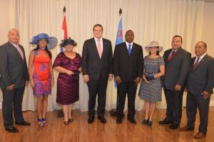 Gobernador  Boekhoudt a huramenta Parlamentarionan nobo