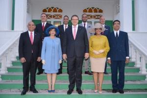 Gobernador a clarifica su 'rol', durante huramentacion Gabinete Wever Croes