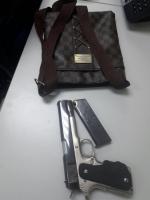Polis a detene Dominicano pa posesion di arma marduga