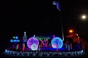 Elmar: Rotonde di Weg Fontein a keda ilumina