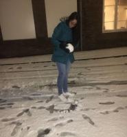 E studiantenan di Aruba a goza di prome caida di sneeuw na Hulanda