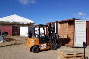 Autordad a cuminsa controla containernan di clapchi na Wela