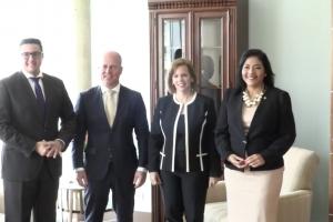 Gobierno a reuni cu secretario di estado Knops riba e.o. Venezuela